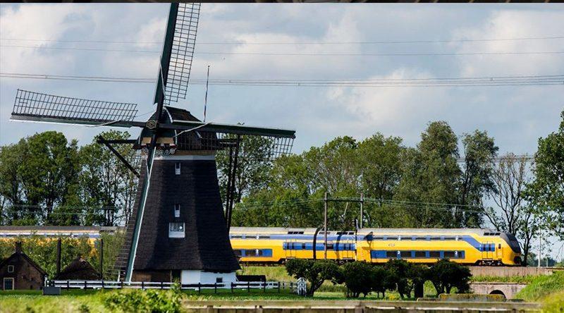 Toate trenurile olandeze folosesc energie din … vânt!